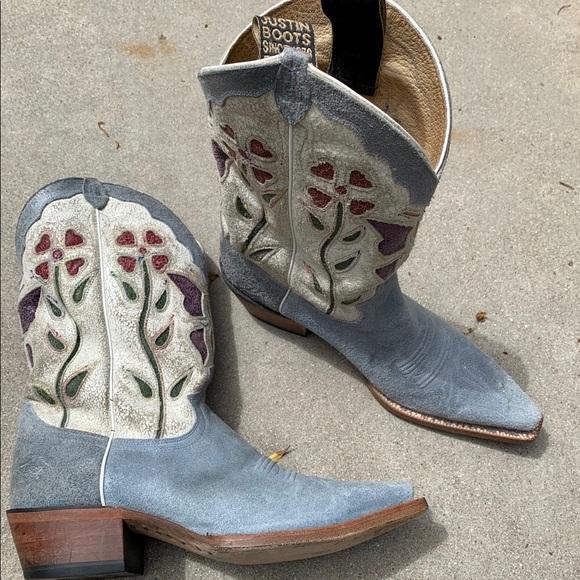 dc141a2ddae Justin Vintage Cowboy Boots Blue Size 7B